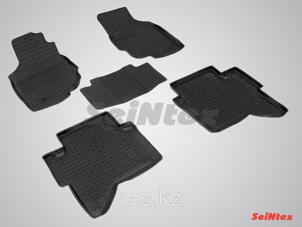Резиновые коврики с высоким бортом для Toyota Hilux 2012-2015