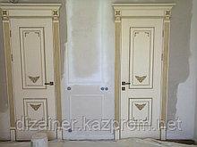 Двери на заказ с патинированием из массива и шпона в Астане и Алматы