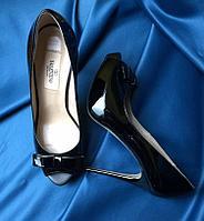 Туфли женские Valentino Garavani