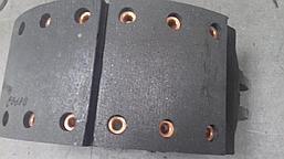 Колодка тормозная передняя в сборе 199000440031