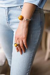 """Кольцо с медовым шариком """"CO"""" / Испания / размер кольца 18,5 - 19,5"""