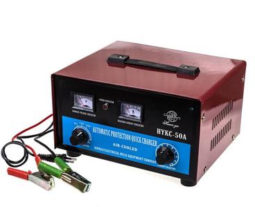 Зарядное устройство для автомобильных аккумуляторов АвтоХит {6/12/24В, 3 степени защиты} (20А)