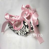 Пинетки мягкие серые на розовой атласной ленте