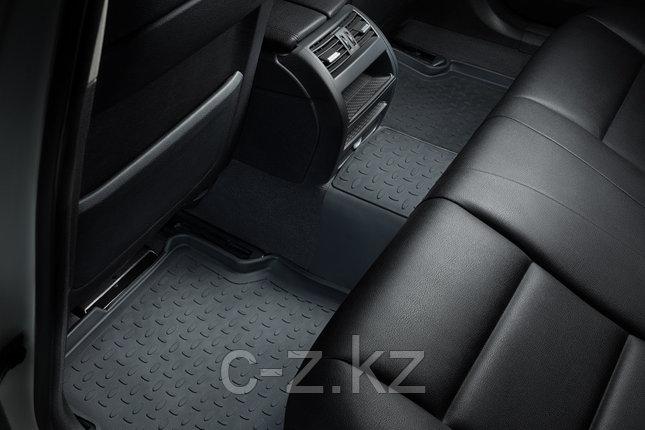 Резиновые коврики с высоким бортом для Toyota Land Cruiser 200 2007-н.в., фото 2