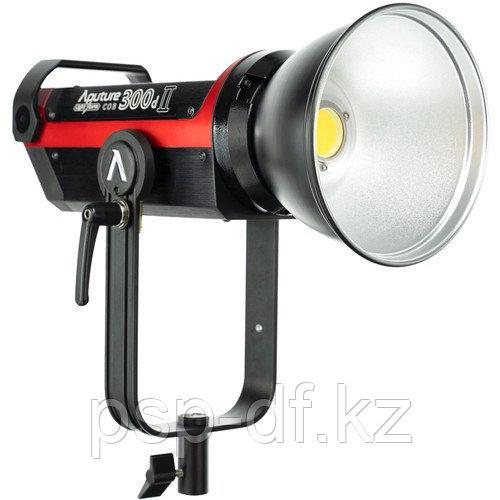 Светодиодный осветитель Aputure LS C300d Mark II LED Light Kit with V-Mount Battery Plate