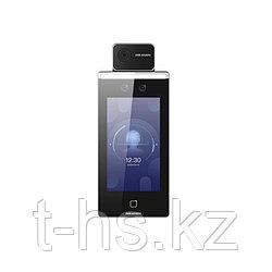 Hikvision DS-K1TA70MI-T Терминал доступа с функцией распознавания лиц и скринингом температуры