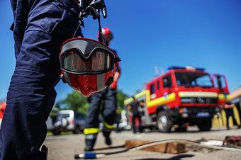 Работа с аварийно-спасательным инструментом