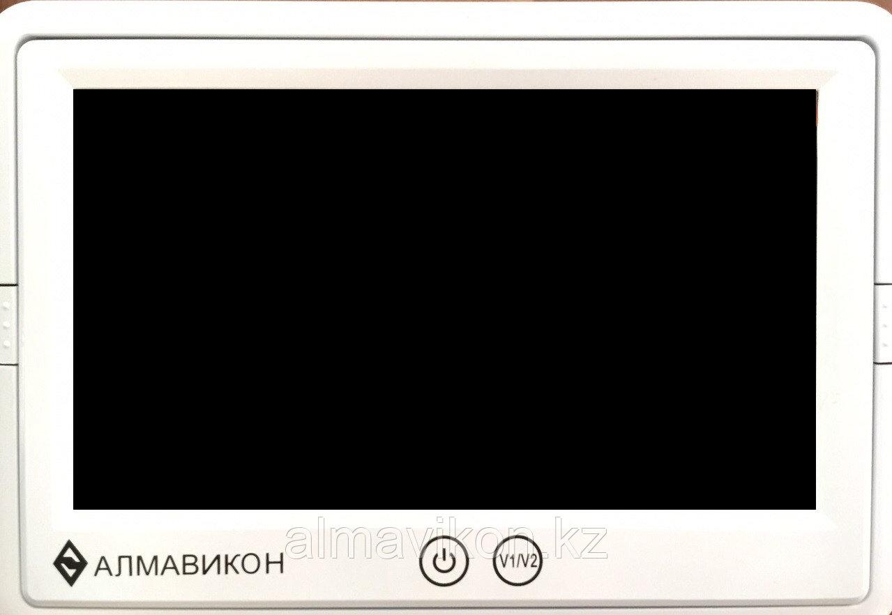 Монитор  – цветной экран 7*