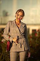 Женский осенний бежевый деловой деловой костюм JKY К-012 черный-золото 42р.