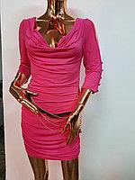 Женское розовое мини платье с пояском