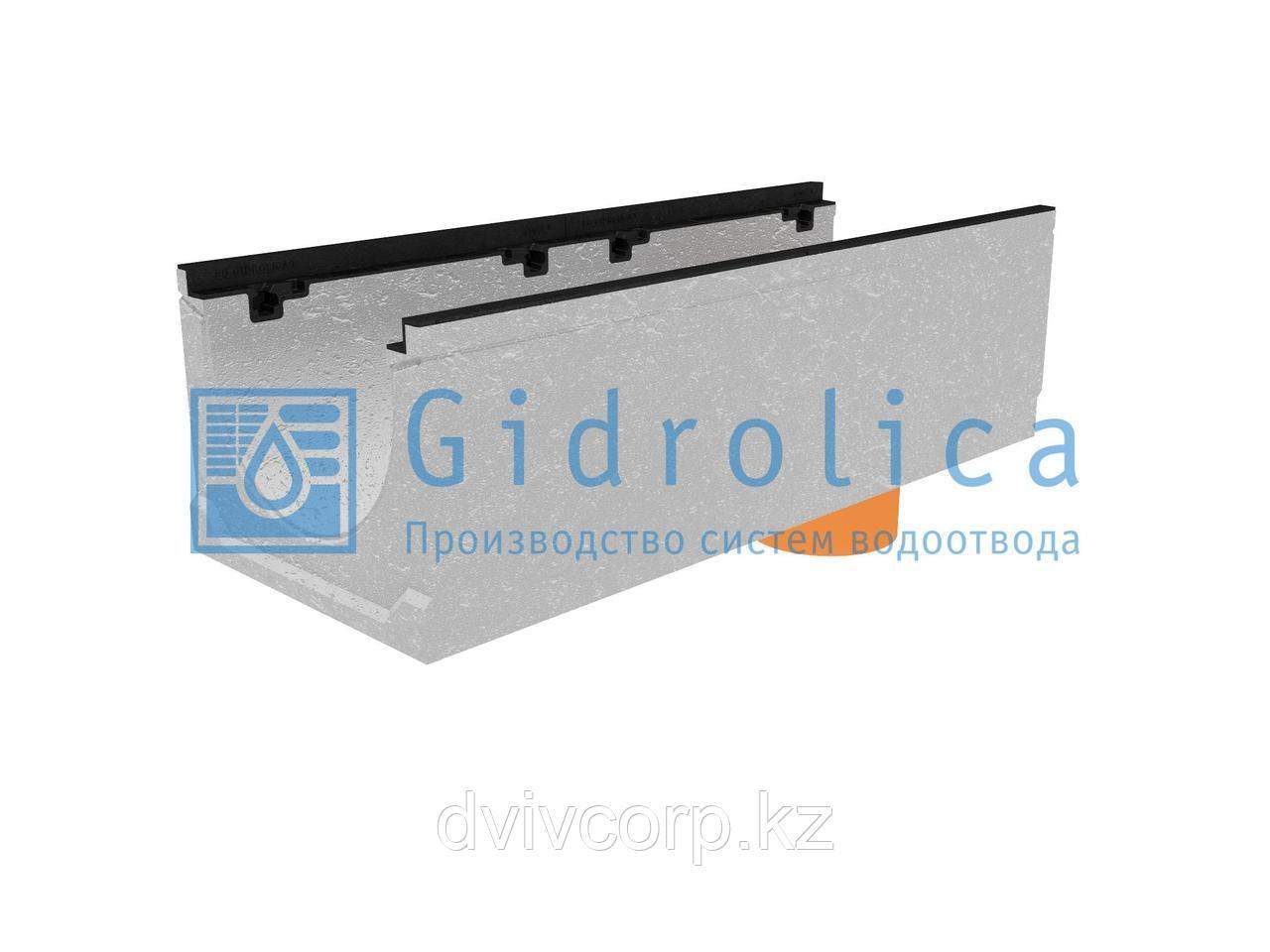 Лоток водоотводный бетонный коробчатый (СО-300мм), с чугунной насадкой с водосливом КUв 100.39,9 (30).30(23) -