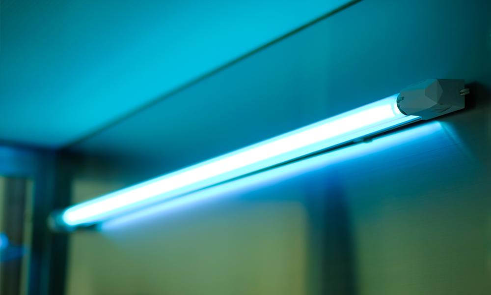 Кварцевая лампа настенно-потолочная (90,120 см)