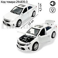 Игрушка детская машинка металлическая с свето-звуковым эффектом Die-Cast Metal Model Car 1:32 белая