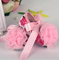 Пинетки на розовой ленте с розовой розочкой