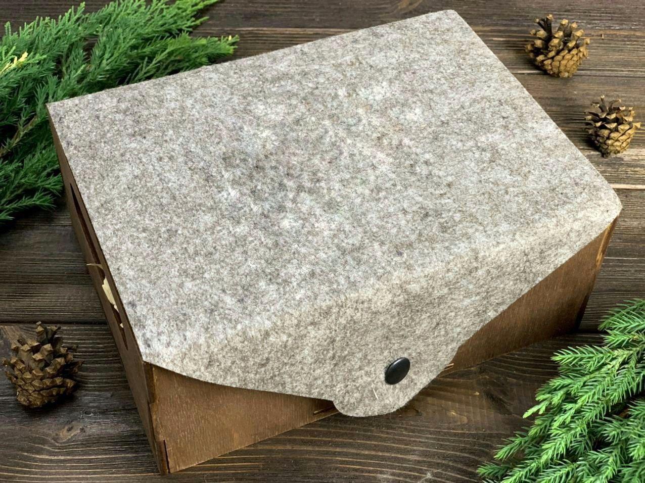 Ящик с фетровой крышкой. Размер: 29*21*9