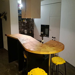 Кухонные гарнитуры с барной стойкой 1