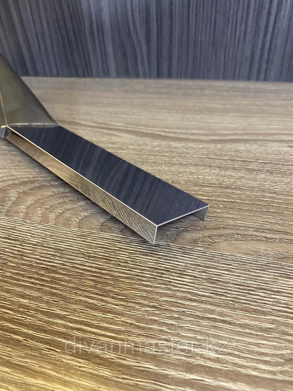 10*40 Профиль для декорирования мебели хром, 305 см