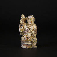 Нэцкэ «продавец персиков, с карако» Символ долголетия и потомства