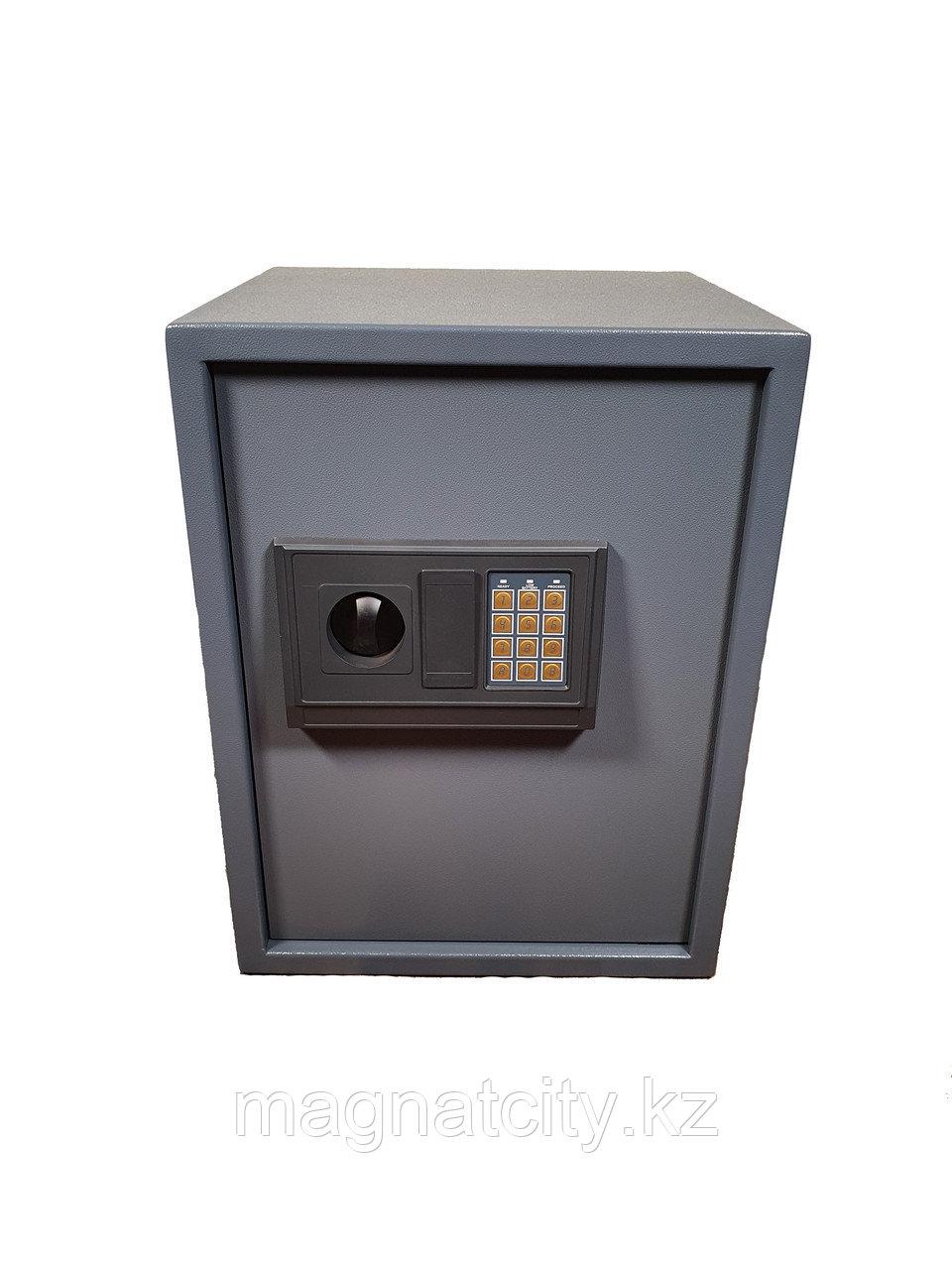 Сейф мебельный FD500 (50X38X35см, 16.5кг.)