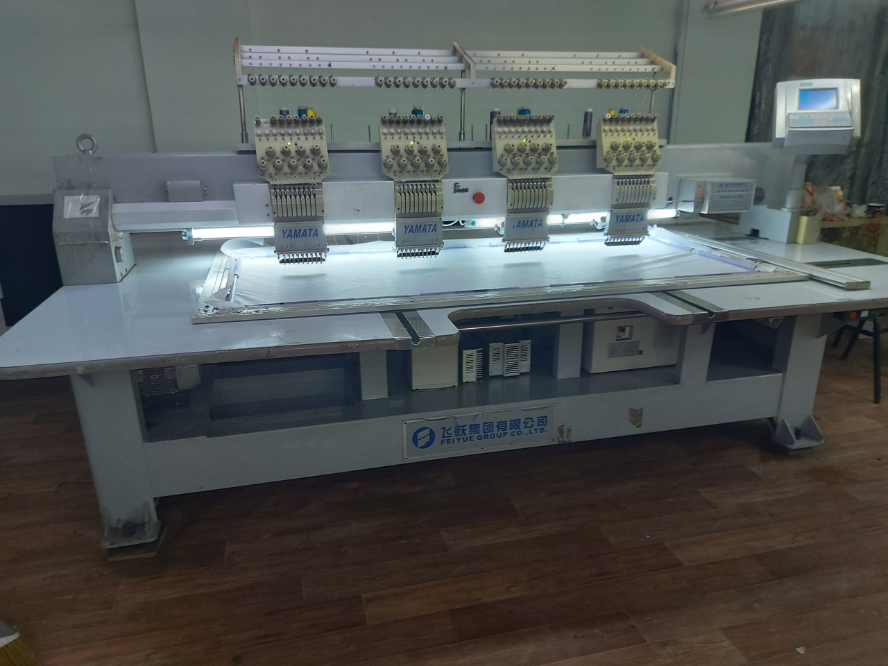 Промышленная вышивальная машина Yamata
