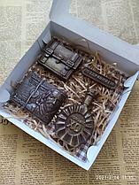 """Подарок """"Любимому мужчине"""" (шоколад в картонной коробке 17см х 17см)"""