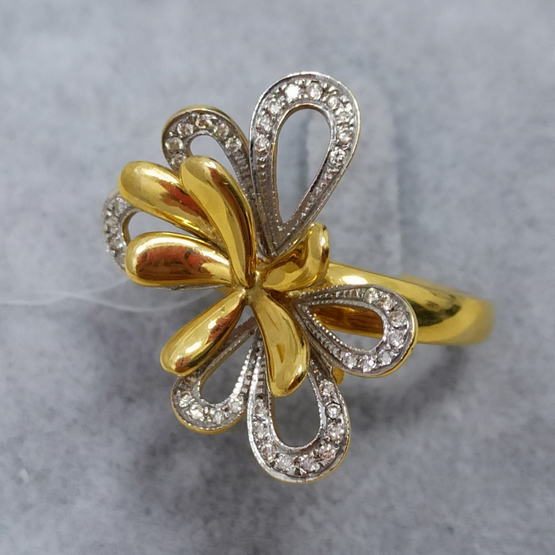 Золотой комплект с бриллиантами - фото 6