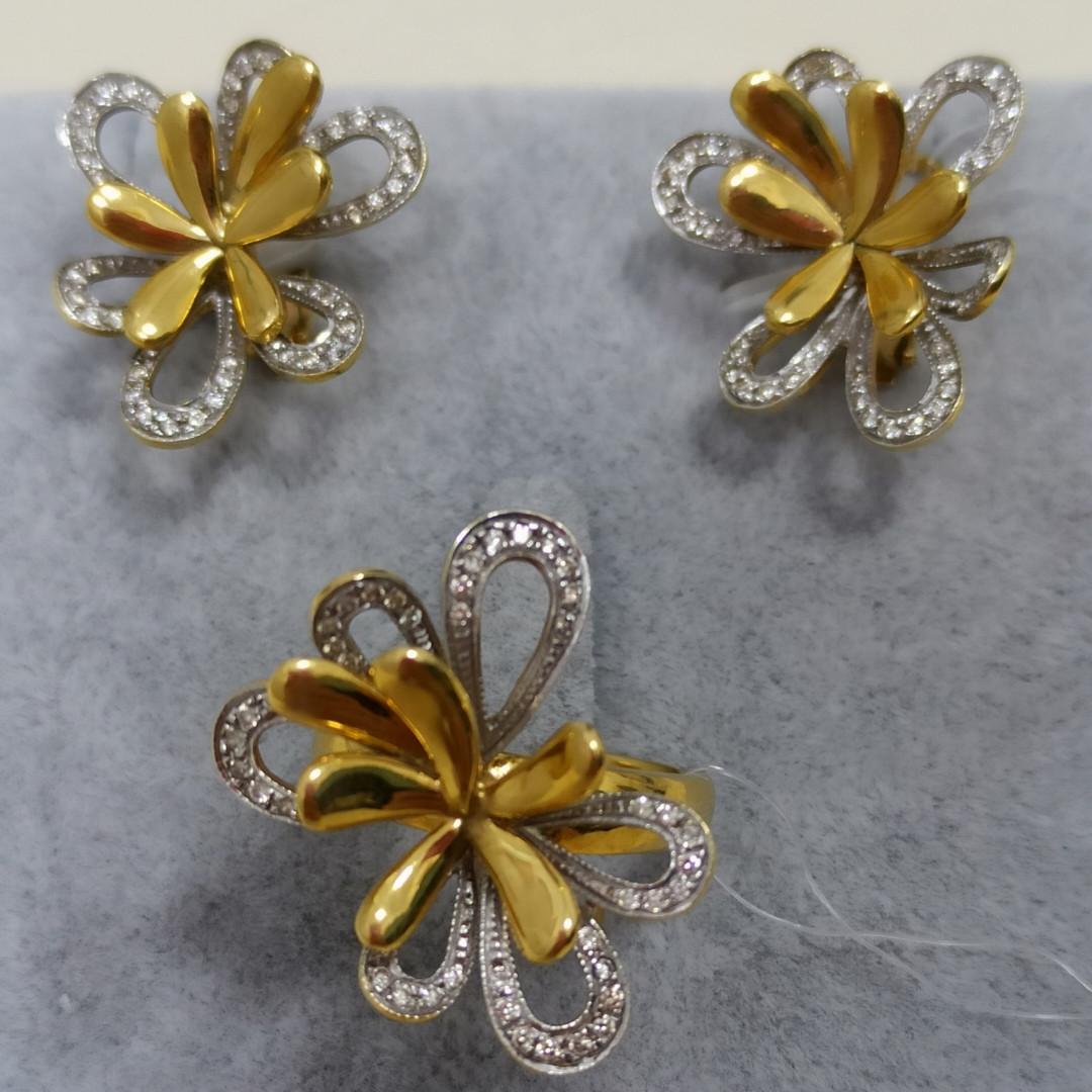 Золотой комплект с бриллиантами - фото 1