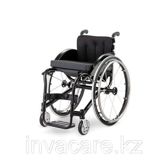 Кресло-коляска спортивная HURRICANE, с принадлежностями