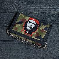 Камуфляжный кошелек с вышивкой Че Гевара