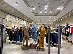 """Торгового оборудования для сети магазинов """"DressME"""" с использованием системы Vertical и металлических стоек Лофт. 7"""