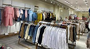 """Торгового оборудования для сети магазинов """"DressME"""" с использованием системы Vertical и металлических стоек Лофт. 1"""