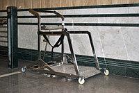 Устройство для перемещения с креслом коляской по эскалатору Т10