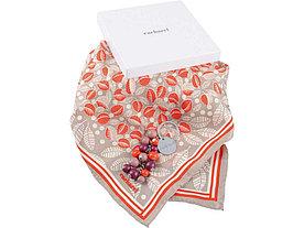Набор Cacharel: брелок, платок шелковый