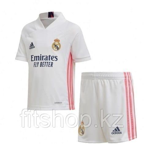 Футбольная форма Реал Мадрид 2020/2021