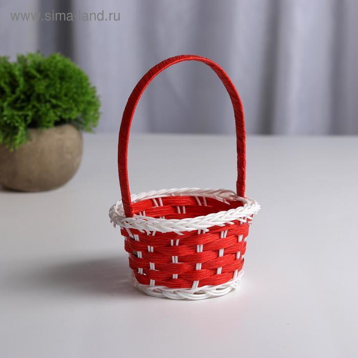 Миниатюра кукольная - корзинка, цвет красный с белым - фото 1