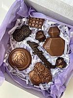 """Набор сладостей подарочный """"8 марта"""" в ассортименте (шоколад в картонной коробке 17см х 17см), фото 1"""