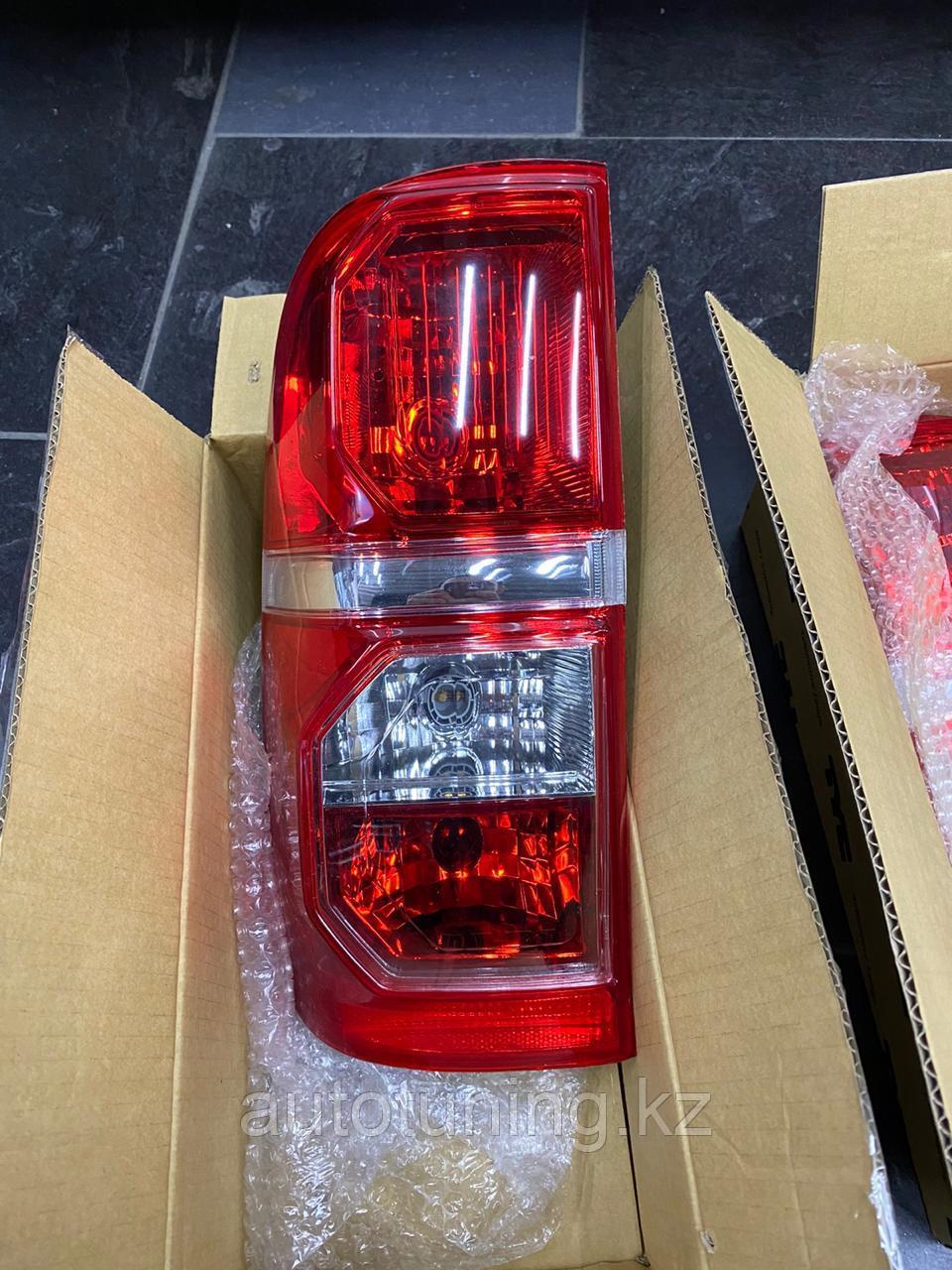 Рестайлинговые фонари на Toyota Hilux Vigo MK7 2011-2015 г.в.