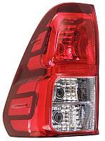 Задний левый фонарь на Toyota Hilux Revo 2016-2020 г.в.