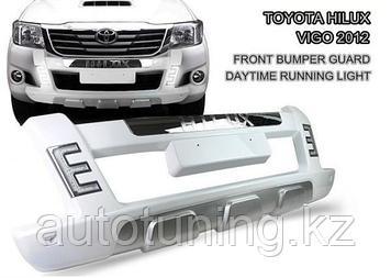 Губа (дуга, накладка переднего бампер) на Toyota Hilux Vigo 2011-2015 г.в