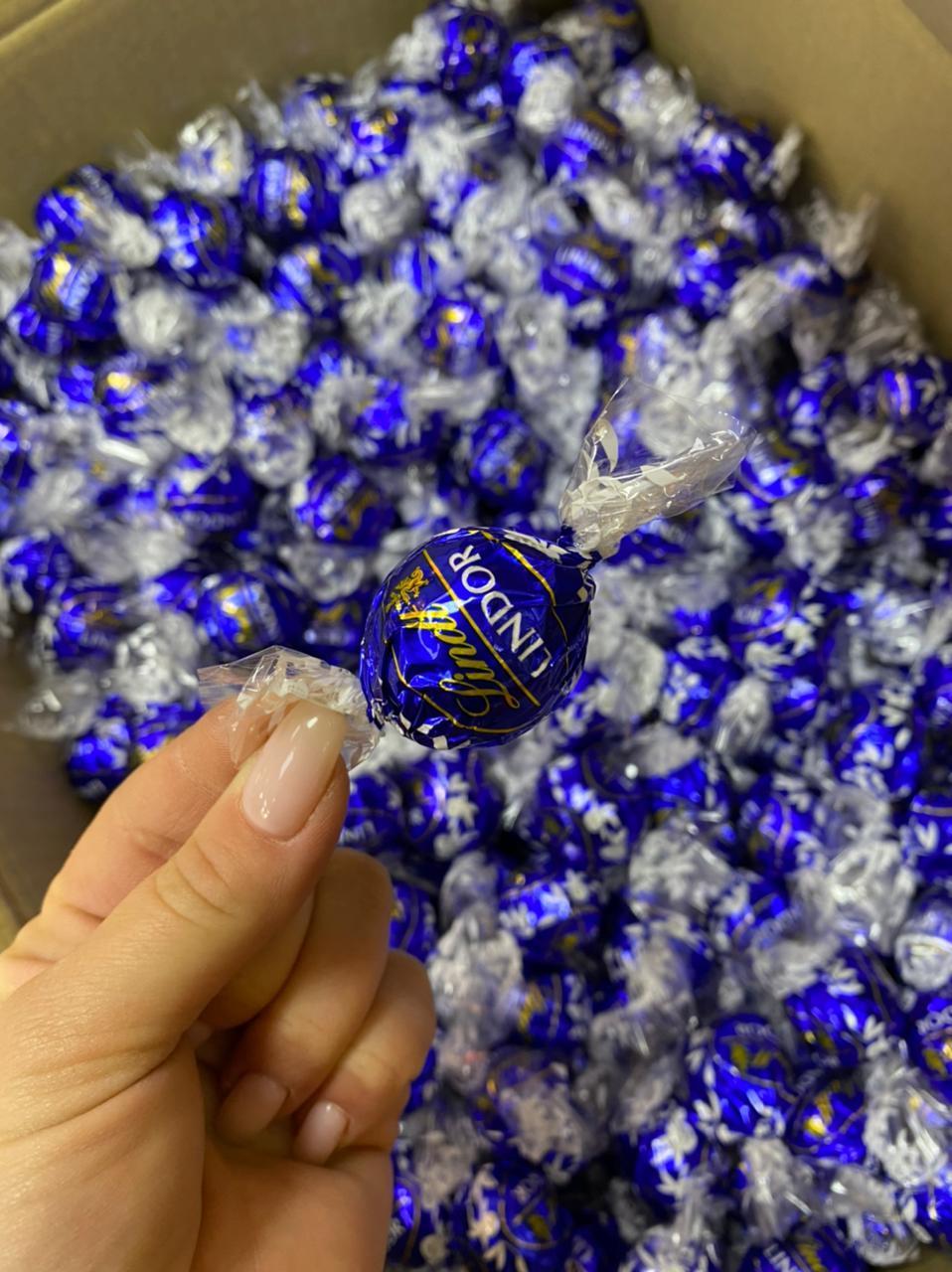 Шоколадные конфеты Lindor 1кг