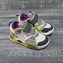 Детские кроссовки  (с салатово-фиолетовыми вставками)