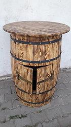 Деревянные столы-бочки