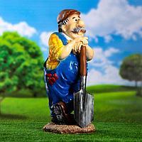 """Садовая фигура """"Мужик с лопатой"""" 22*26*66 см"""