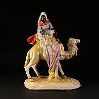 Скульптурная кмпозиция «Бедуин на верблюде»