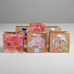 Пакет крафтовый квадратный «Поздравляю», МИКС, 14 × 14 × 9 см 5310929