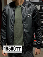 Бомбер Nike черный