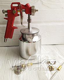 Пневматический краскораспылитель с нижним бачком, 0.75л. + сопла 1.3; 1.5; 1.8мм. Total Tools