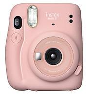 Моментальный фотоаппарат Fujifilm Instax mini 11 Blush Pink + две батарейки типа АА