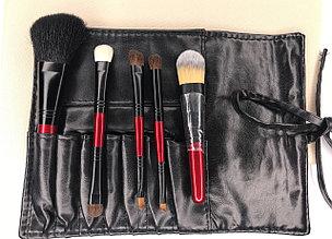 Маленький набор профессиональных кистей для макияжа