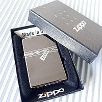 "Зажигалка ""Zippo"" серебристая. ""Замок"", оригинал."